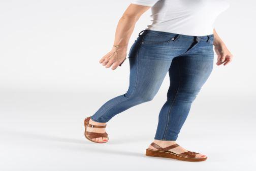 Sandales et nu-pieds Elizabeth Stuart Tokko 465 Marron vue bas / vue portée sac