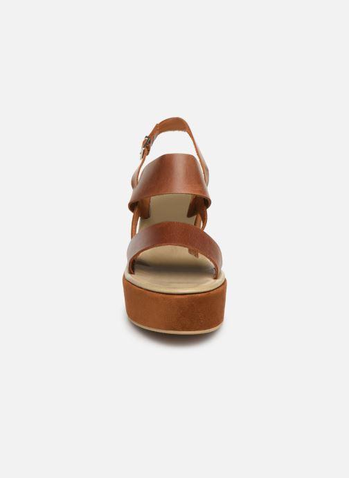 Sandales et nu-pieds Elizabeth Stuart Zacari 465 Marron vue portées chaussures