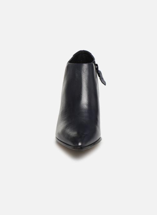 Bottines et boots Elizabeth Stuart Dhante 131 Bleu vue portées chaussures