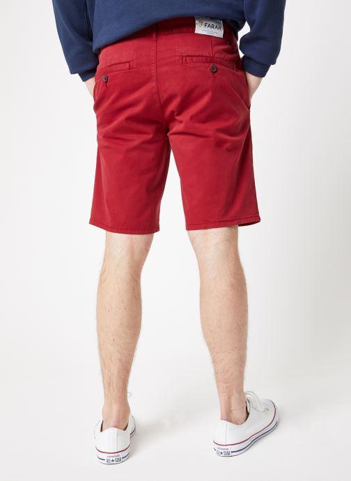 Vêtements Farah F4HS9073 Rouge vue portées chaussures