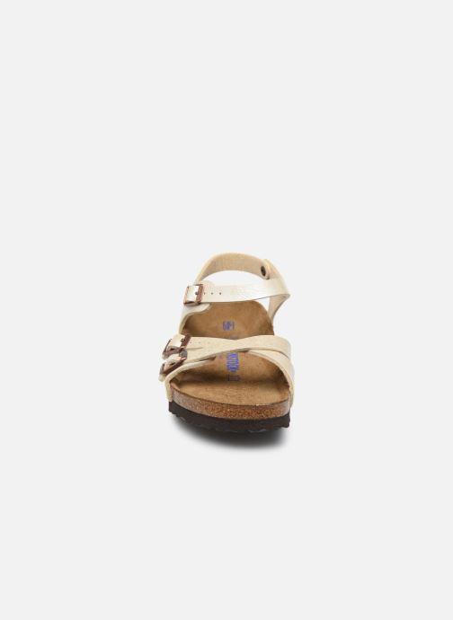 Sandali e scarpe aperte Birkenstock Kumba Flor Soft Footbed W Bianco modello indossato