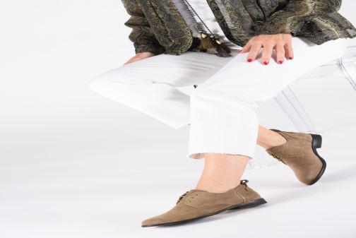 Chaussures à lacets P-L-D-M By Palladium Picadilly Sud Beige vue bas / vue portée sac