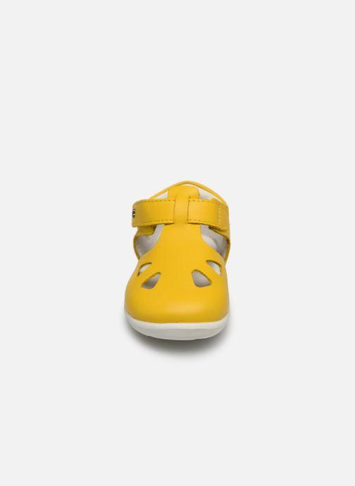 Ballerines Bobux Zap Jaune vue portées chaussures