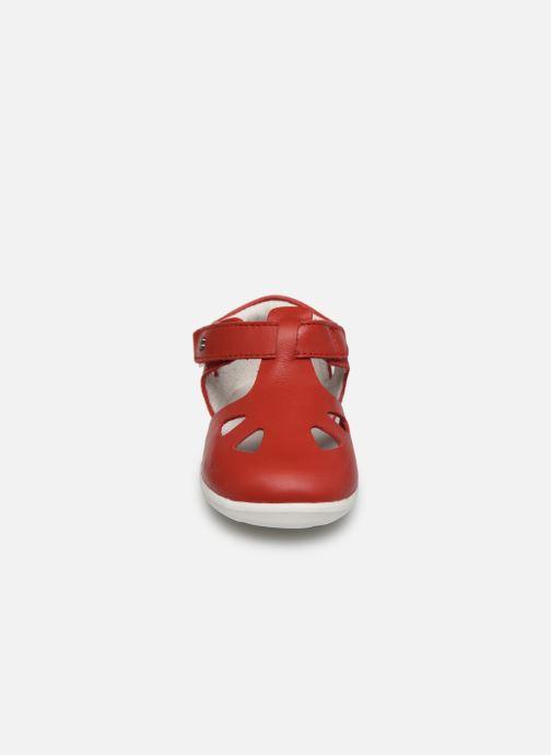 Ballerines Bobux Zap Rouge vue portées chaussures