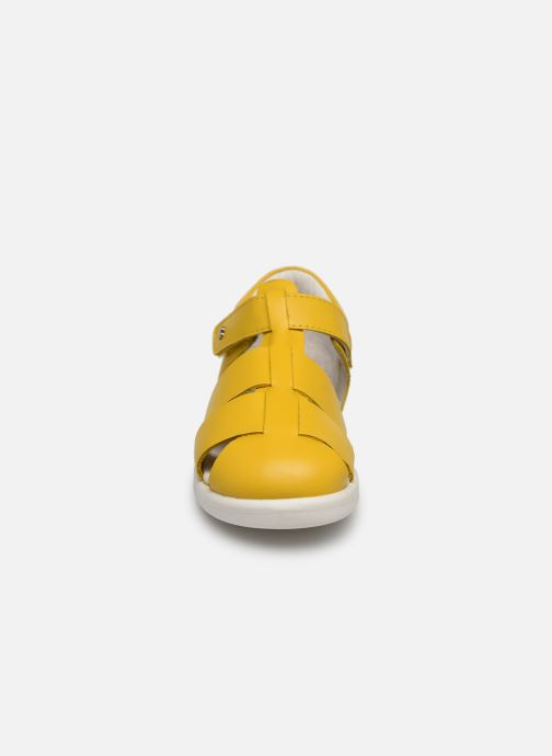 Ballerines Bobux Tidal Jaune vue portées chaussures
