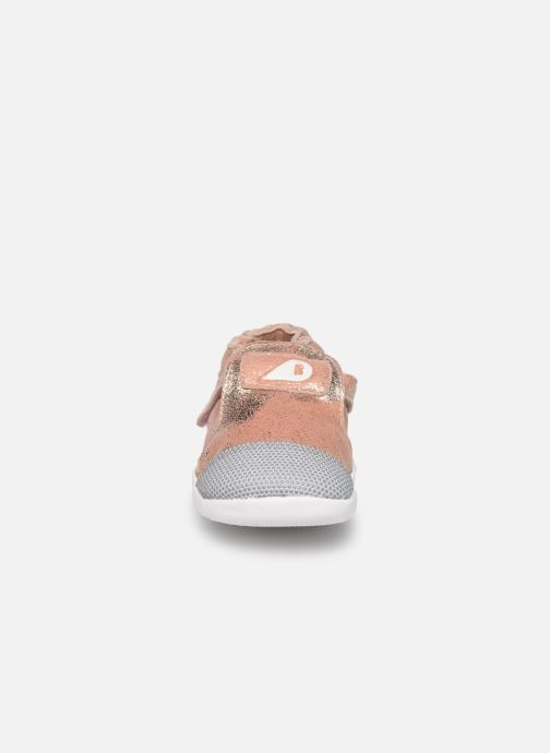 Baskets Bobux Xplorer Aktiv Rose vue portées chaussures