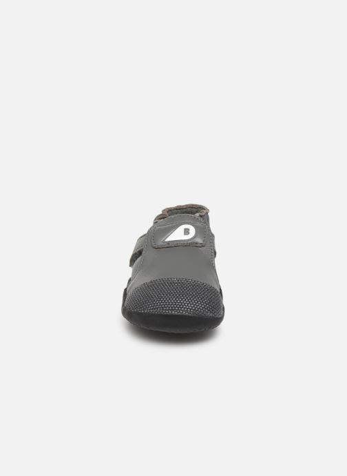 Baskets Bobux Xplorer Origin Gris vue portées chaussures