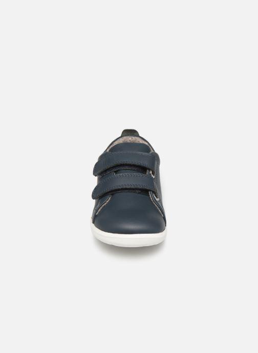 Baskets Bobux Grass Court Bleu vue portées chaussures