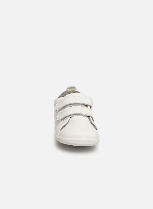 Baskets Bobux Grass Court Blanc vue portées chaussures