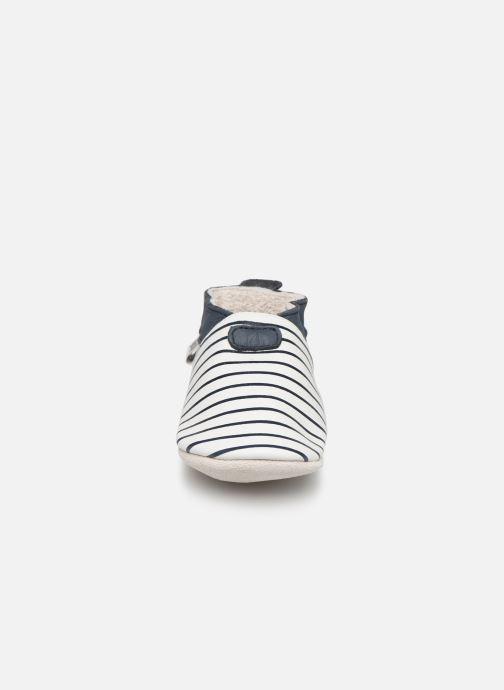 Chaussons Bobux Blanc rayures marine Blanc vue portées chaussures