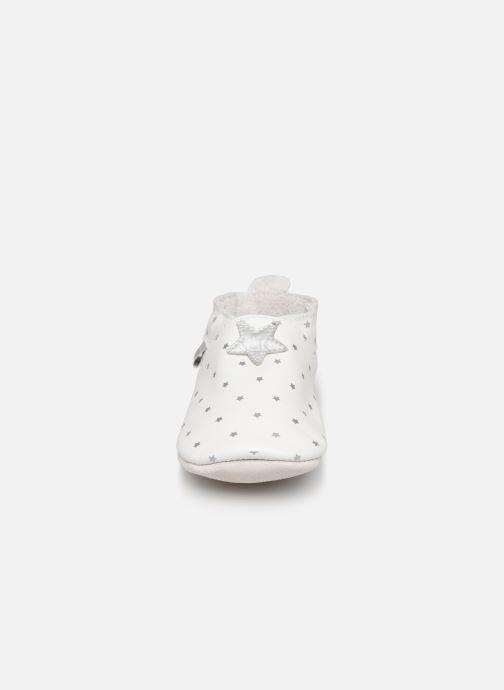 Slippers Bobux Blanc étoiles argentés imprimés White model view