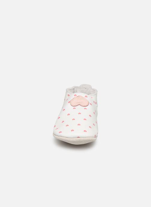 Pantuflas Bobux Blanc rose coeurs imprimés Blanco vista del modelo