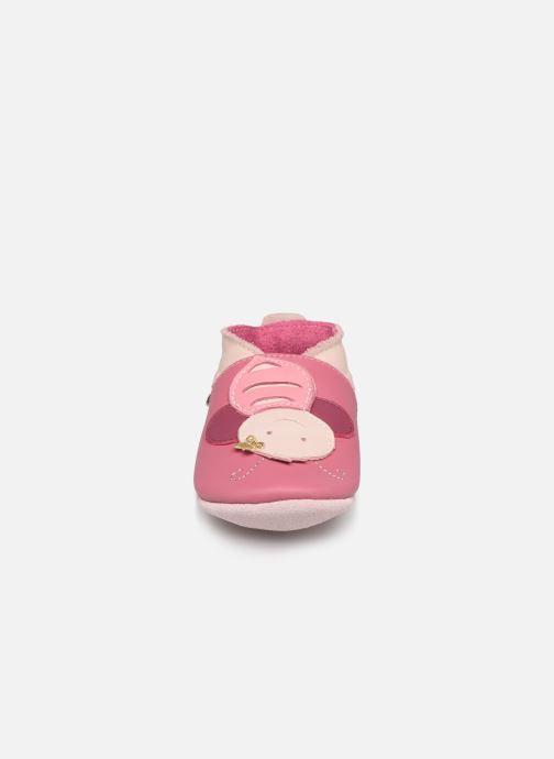 Chaussons Bobux Abeille rose Rose vue portées chaussures