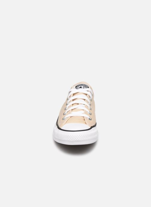 Baskets Converse Chuck Taylor All Star Seasonal Color Ox W Beige vue portées chaussures