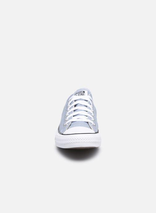 Baskets Converse Chuck Taylor All Star Seasonal Color Ox W Gris vue portées chaussures