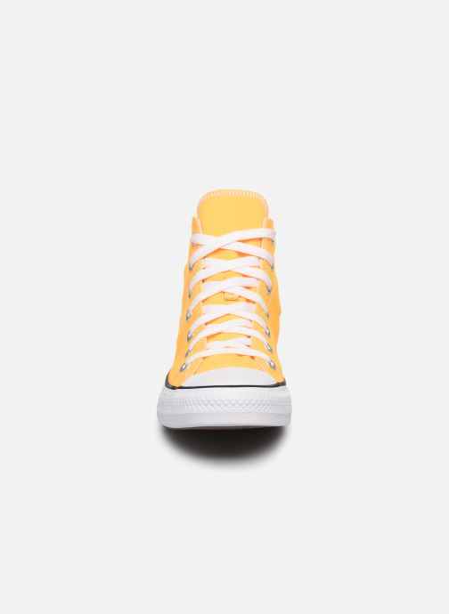 Baskets Converse Chuck Taylor All Star Seasonal Color Hi W Orange vue portées chaussures