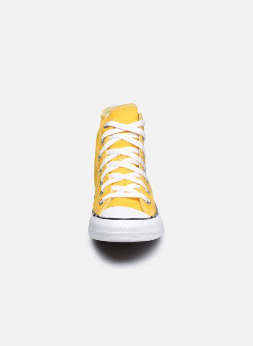 Baskets Converse Chuck Taylor All Star Seasonal Color Hi W Jaune vue portées chaussures
