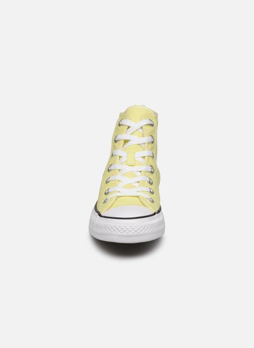 Baskets Converse Chuck Taylor All Star Seasonal Color Extension Hi Jaune vue portées chaussures