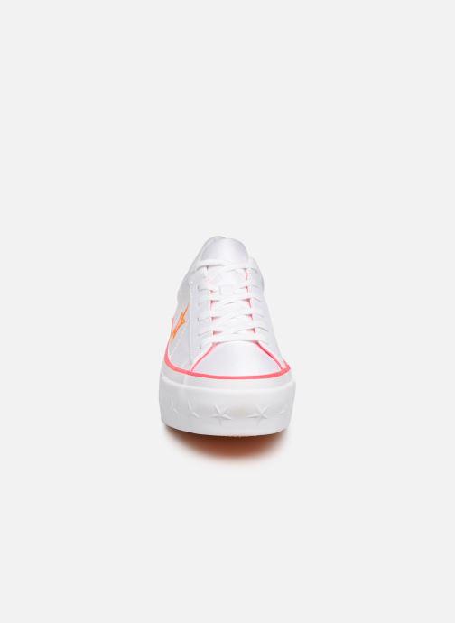 Baskets Converse One Star Platform Carnival Colorblock Ox Blanc vue portées chaussures