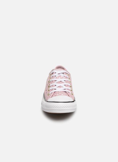 Baskets Converse Chuck Taylor All Star Handmade Crochet Ox Rose vue portées chaussures