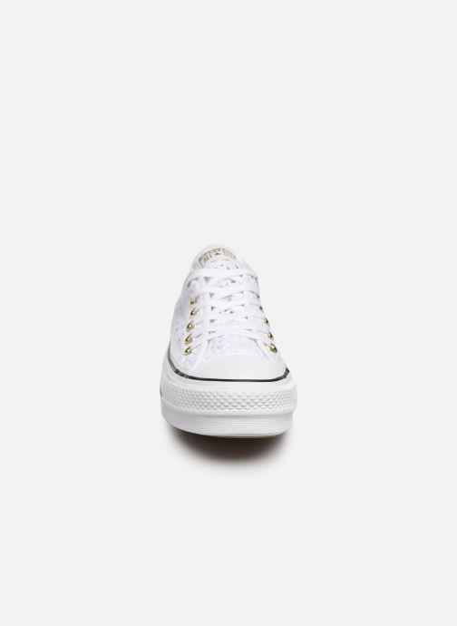 Baskets Converse Chuck Taylor All Star Lift Handmade Crochet Ox Blanc vue portées chaussures