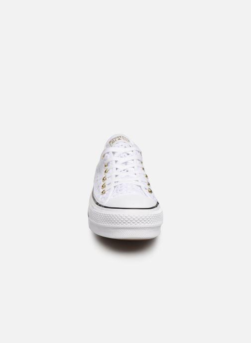 Baskets Converse Chuck Taylor All Star Lift Handmade Crochet Ox Blanc vue portées chaussures