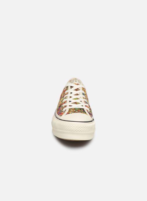 Sneakers Converse Chuck Taylor All Star Lift Handmade Crochet Ox Multicolore modello indossato