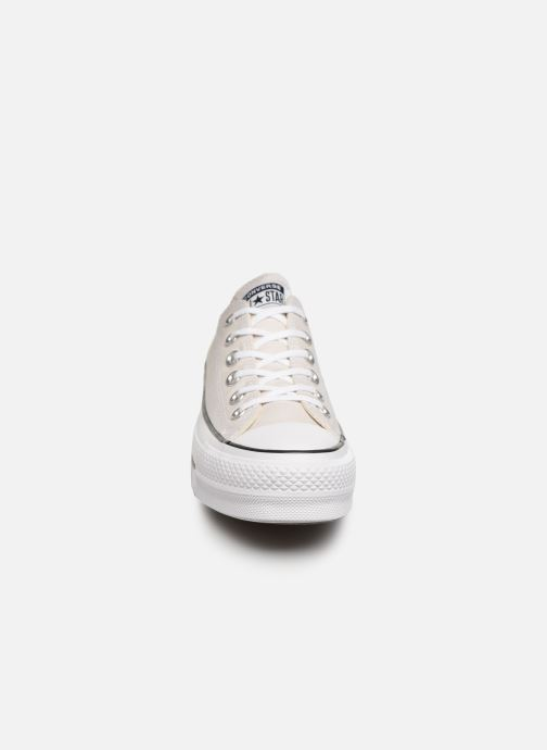 Baskets Converse Chuck Taylor All Star Clean Lift Seasonal Color Extension Ox Beige vue portées chaussures