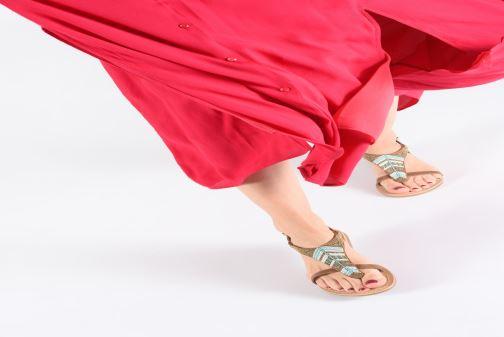 Sandales et nu-pieds Initiale Paris Nikita Marron vue bas / vue portée sac