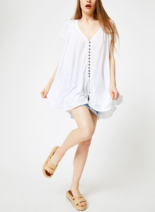 Vêtements Free People HIGHLAND TEE Blanc vue bas / vue portée sac