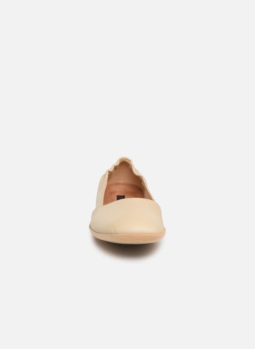 Ballerines Neosens Dozal S655 Beige vue portées chaussures