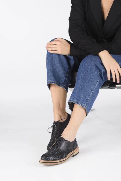 Chaussures à lacets Neosens Albilla S924 Noir vue bas / vue portée sac