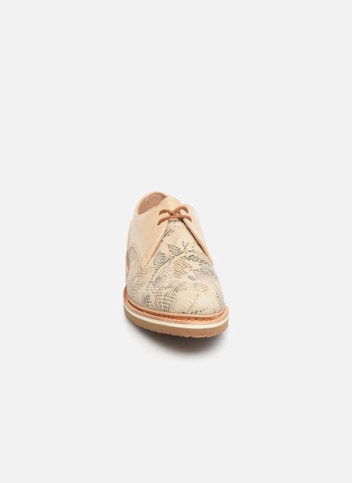 Zapatos con cordones Neosens Albilla S924 Beige vista del modelo