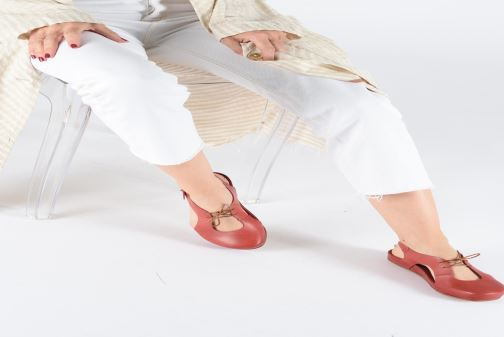 Sandales et nu-pieds Neosens Lairen S953 Rouge vue bas / vue portée sac