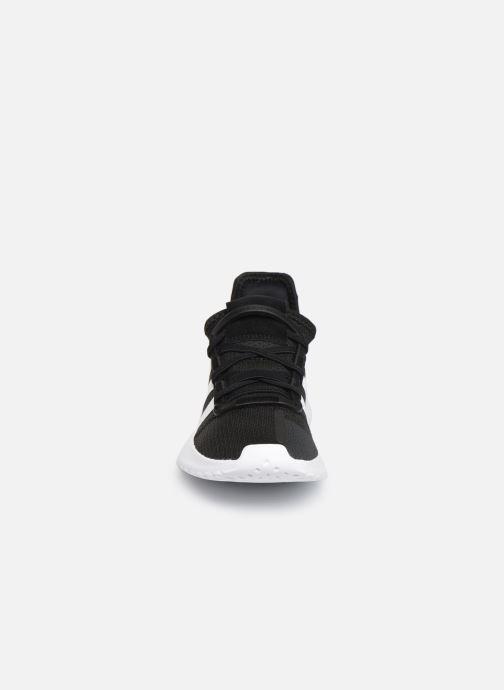 Sneakers adidas originals U_Path Run El C Nero modello indossato