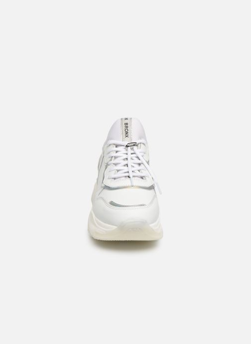 Baskets Bronx BAISLEY Blanc vue portées chaussures