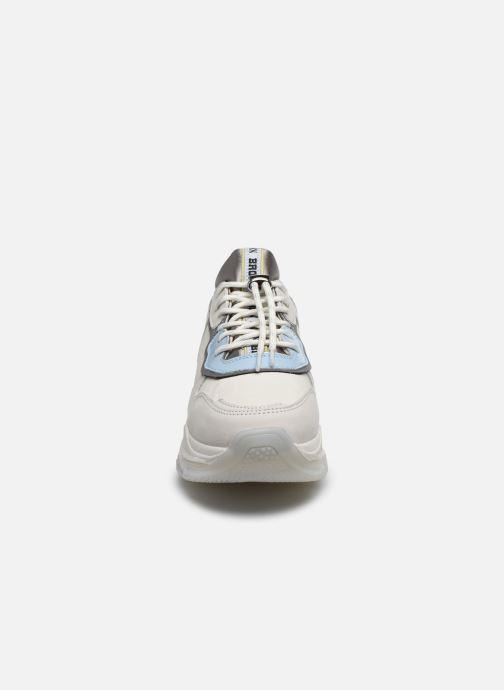 Sneakers Bronx BAISLEY Bianco modello indossato