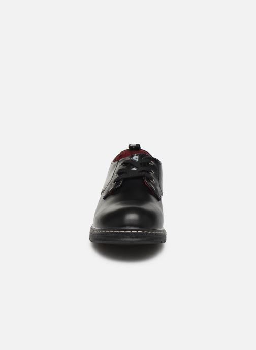 Scarpe con lacci MTNG 47854 Nero modello indossato