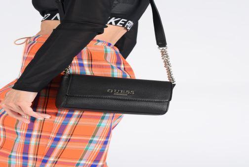 Håndtasker Guess ALMA MINI CROSSBODY FLAP Sort se forneden