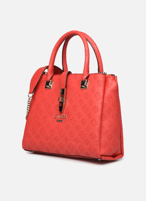 Sacs à main Guess PEONY CLASSIC GIRLFIEND CARRYALL Rouge vue portées chaussures