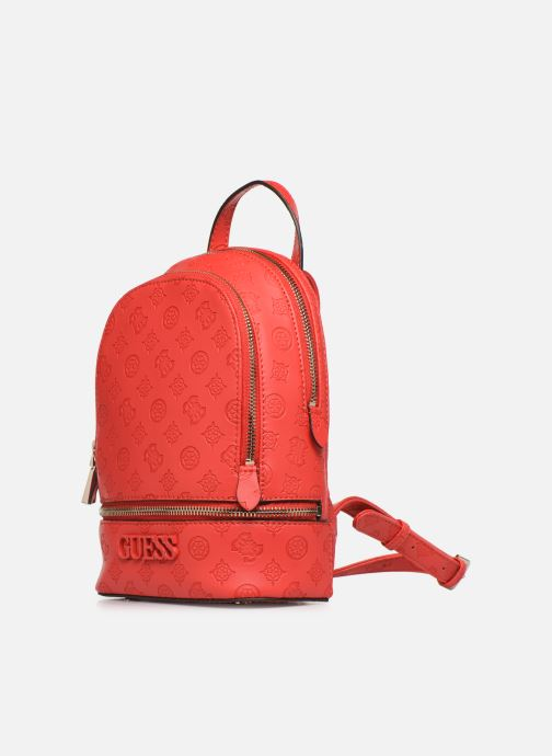 Sacs à dos Guess SKYE SMALL BACKPACK Rouge vue portées chaussures