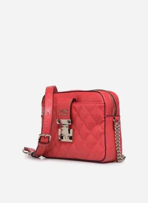 Bolsos de mano Guess TIGGY CAMERA BAG Rojo vista del modelo