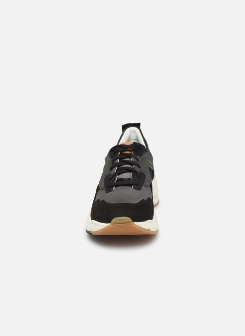 Sneakers Timberland Delphiville Leather Sneaker Nero modello indossato