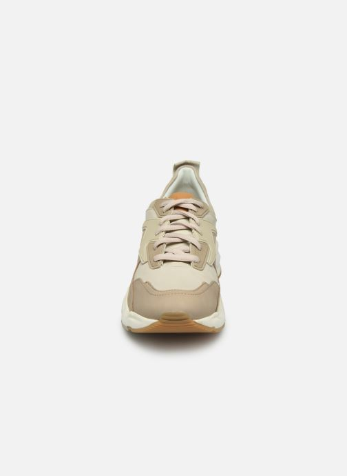 Baskets Timberland Delphiville Leather Sneaker Beige vue portées chaussures