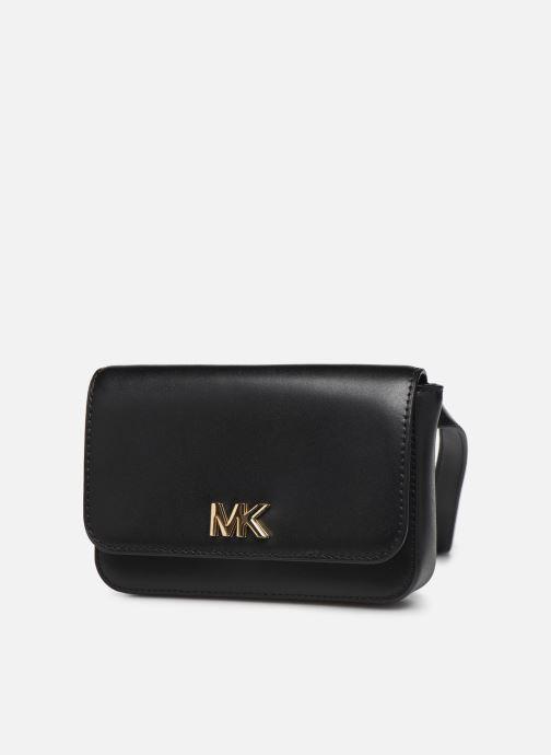 Petite Maroquinerie Michael Michael Kors MOTT BELT BAG Noir vue portées chaussures