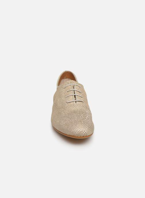 Chaussures à lacets Monoprix Femme Derby Python irisée Or et bronze vue portées chaussures