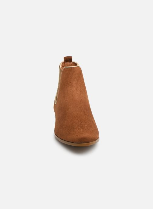 Bottines et boots Monoprix Femme Boots Aris Marron vue portées chaussures