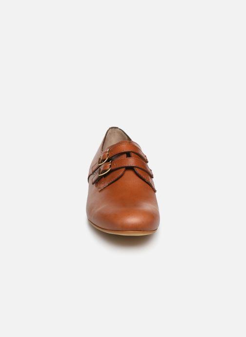 Mocassins Monoprix Femme Chaussure femme boucle cuir Marron vue portées chaussures