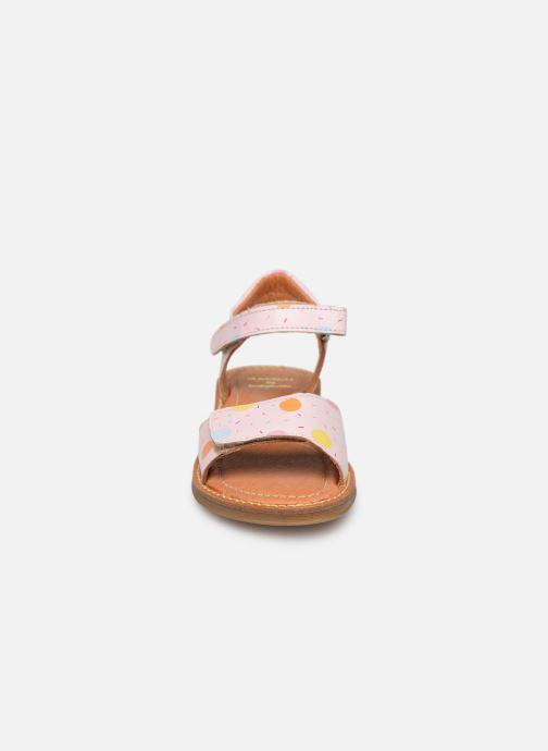 Sandali e scarpe aperte Babybotte Kokotiersan x SARENZA Rosa modello indossato