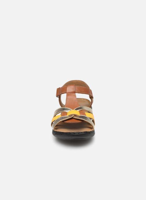 Sandals Pédiconfort Camille C Brown model view